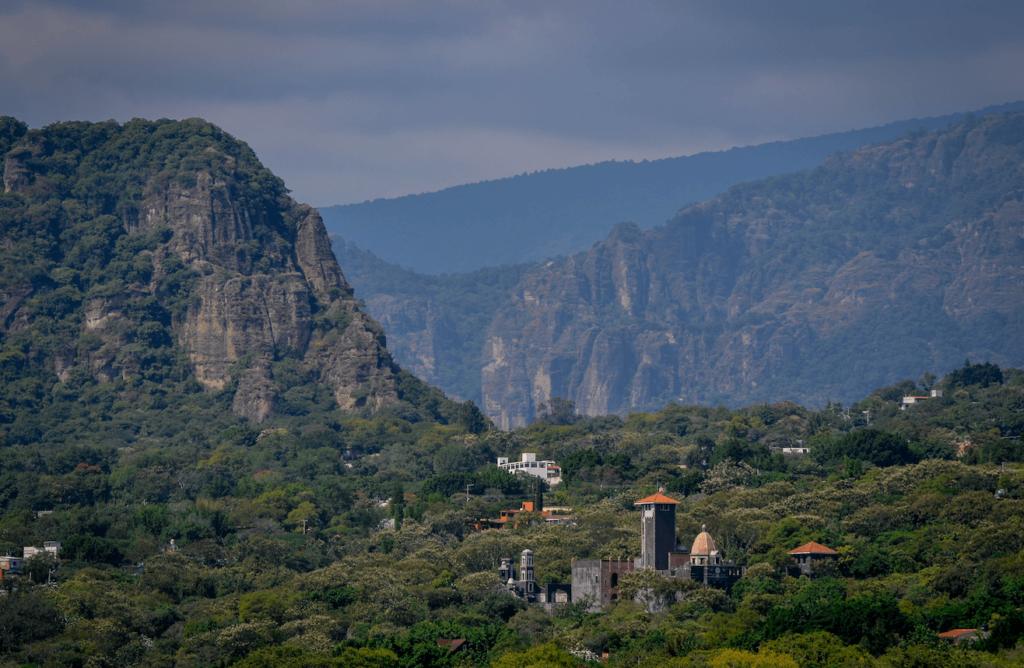 Vista panoramica del pueblo mágico Tepoztlán, Morelos