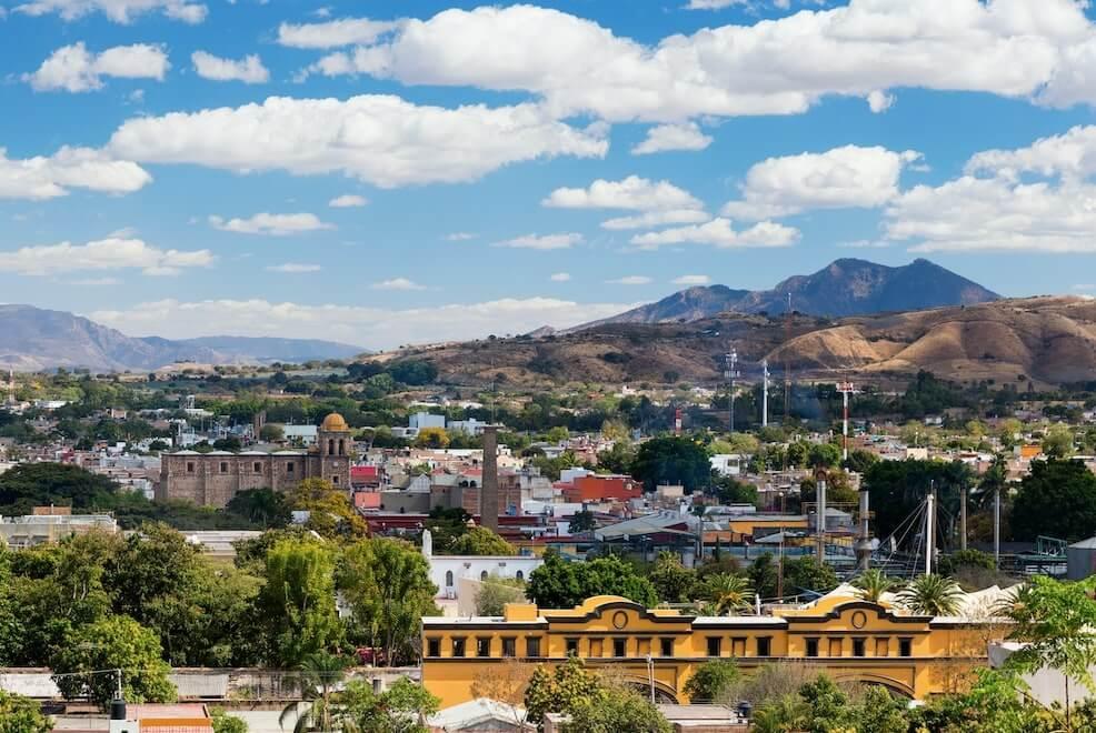 Vista de la ciudad Tequila en Jalisco, Mexico, uno de los lugares de Mexico ideal para visitar durante el otoño