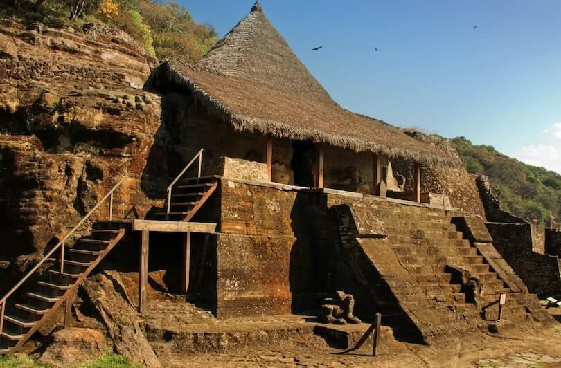 Ruinas en la zona arqueologica de Malinalco, Mexico, uno de los lugares cerca de CDMX