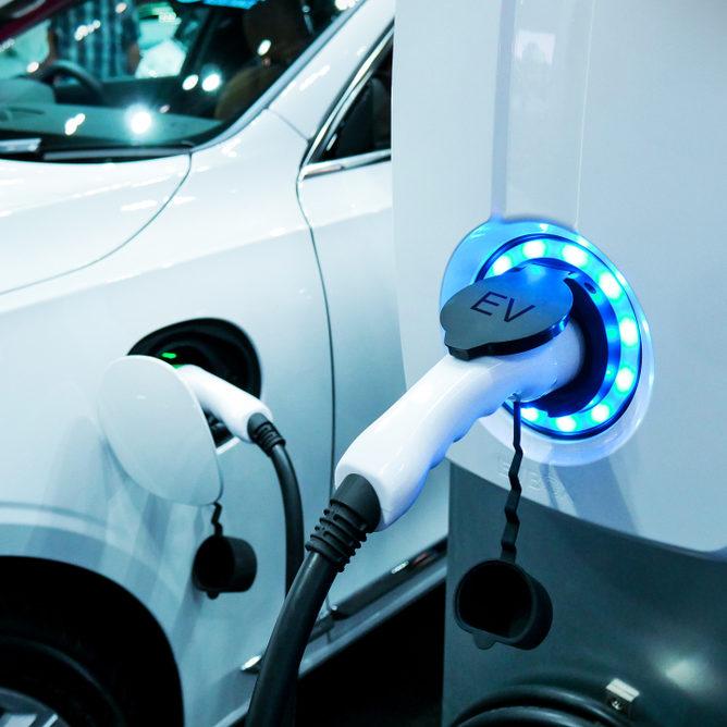 ¿Cuántos vehículos eléctricos hay en América Latina?