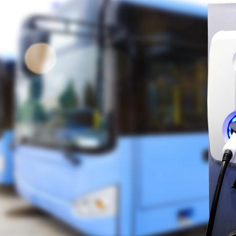 Chile ya convierte camiones de diésel en autobuses eléctricos